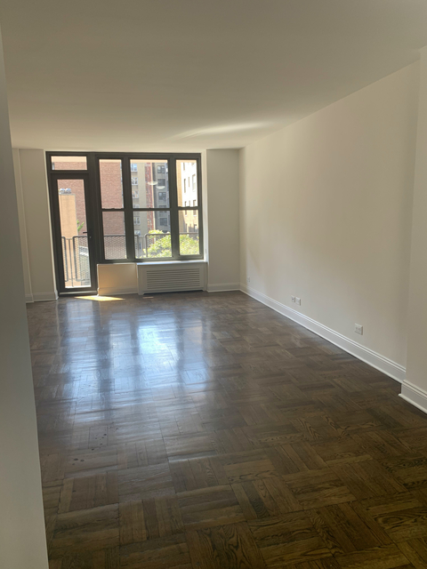 2 Bedrooms, Murray Hill Rental in NYC for $3,508 - Photo 1