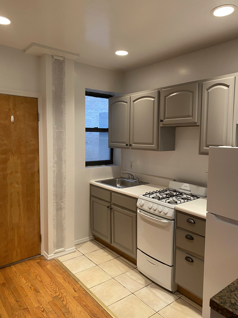 2 Bedrooms, Hell's Kitchen Rental in NYC for $2,291 - Photo 1