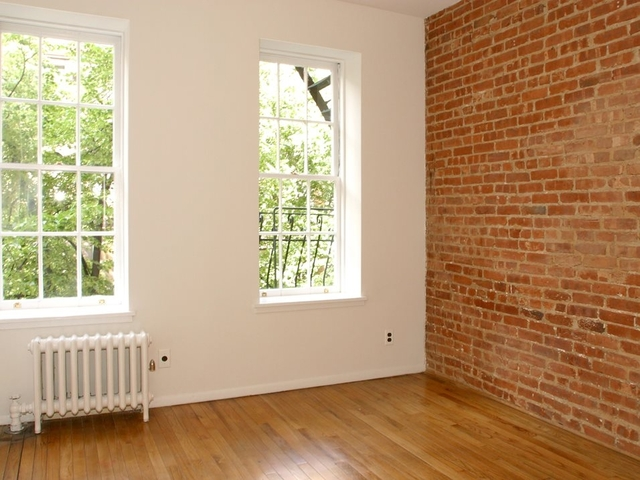 2 Bedrooms, Yorkville Rental in NYC for $2,394 - Photo 1