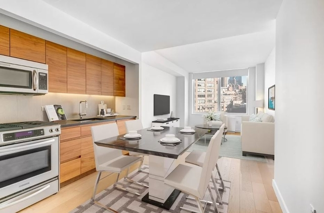 Studio, Hell's Kitchen Rental in NYC for $3,395 - Photo 1