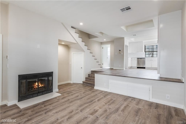 2 Bedrooms, Venice Beach Rental in Los Angeles, CA for $4,950 - Photo 1