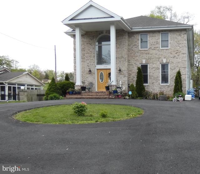 2 Bedrooms, Merrifield Rental in Washington, DC for $1,800 - Photo 1