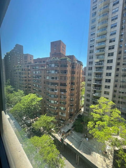 Studio, Sutton Place Rental in NYC for $2,704 - Photo 1
