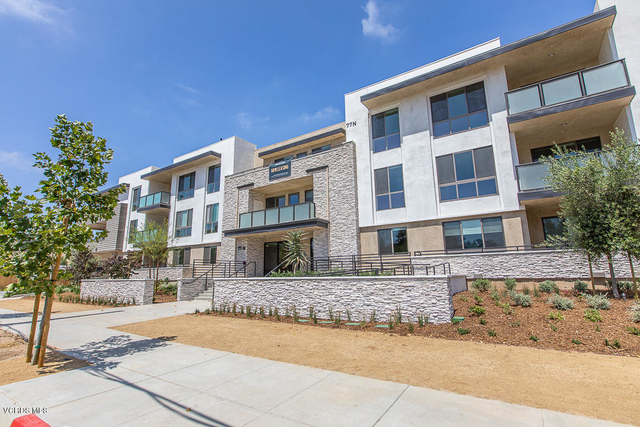 2 Bedrooms, Thousand Oaks Rental in Thousand Oaks, CA for $3,450 - Photo 1