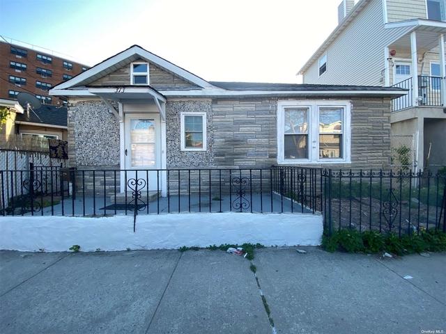 3 Bedrooms, Far Rockaway Rental in Long Island, NY for $2,000 - Photo 1