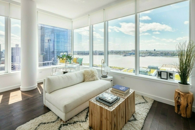2 Bedrooms, Hell's Kitchen Rental in NYC for $6,042 - Photo 1