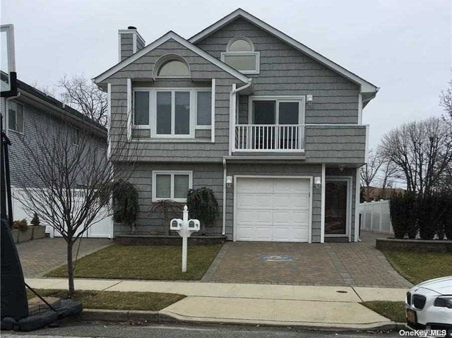 3 Bedrooms, East End North Rental in Long Island, NY for $3,200 - Photo 1