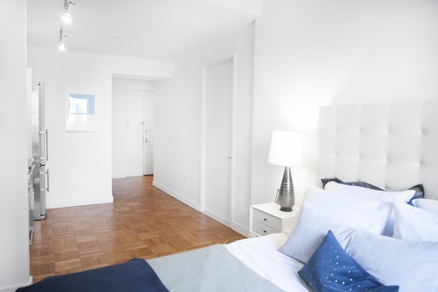 Studio, Financial District Rental in NYC for $2,335 - Photo 1