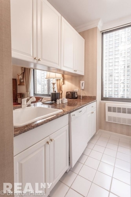 1 Bedroom, Upper East Side Rental in NYC for $7,500 - Photo 1