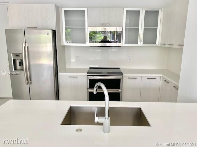 3 Bedrooms, Lake Ridge Rental in Miami, FL for $3,600 - Photo 1
