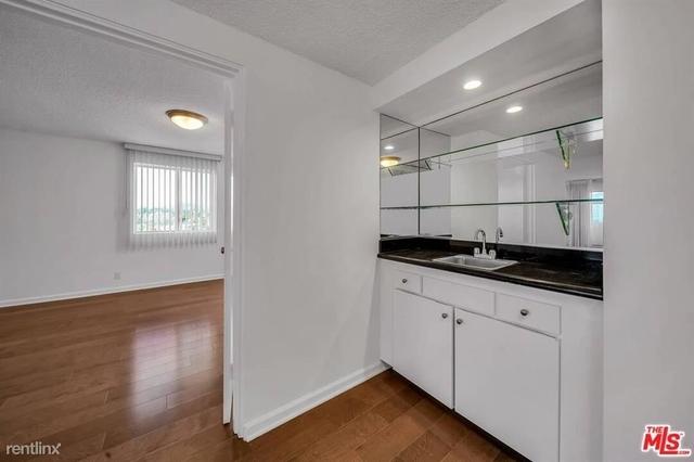 3 Bedrooms, Westwood Rental in Los Angeles, CA for $4,693 - Photo 1