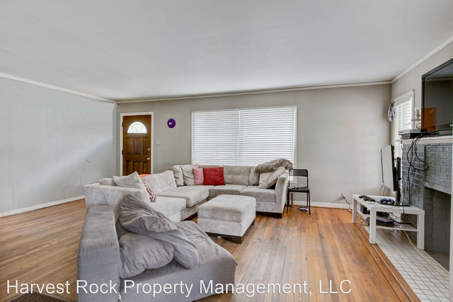 4 Bedrooms, Paschal Rental in Dallas for $3,125 - Photo 1