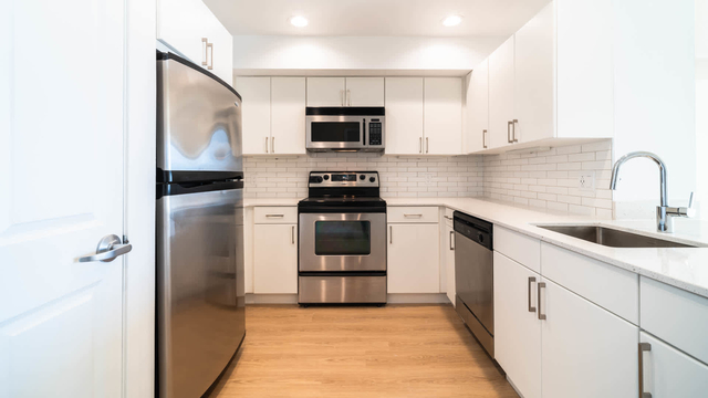 2 Bedrooms, Exchange Place North Rental in NYC for $4,492 - Photo 1