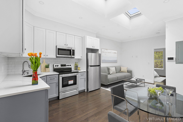 3 Bedrooms, Sunset Park Rental in NYC for $3,300 - Photo 1