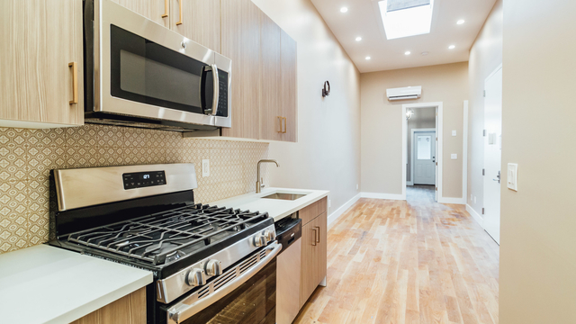 3 Bedrooms, Greenpoint Rental in NYC for $2,945 - Photo 1