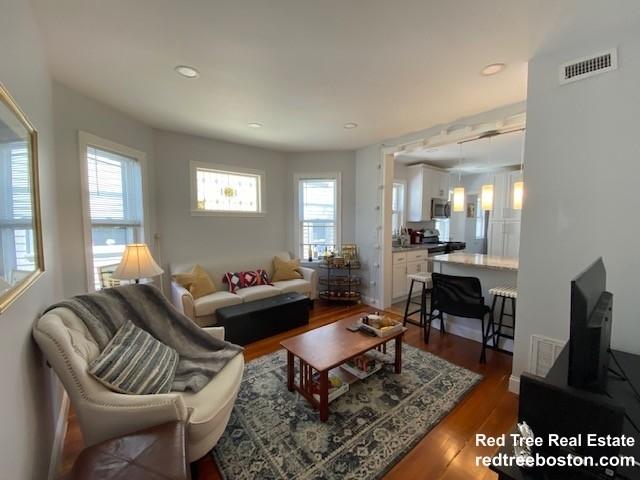 4 Bedrooms, Oak Square Rental in Boston, MA for $3,800 - Photo 1