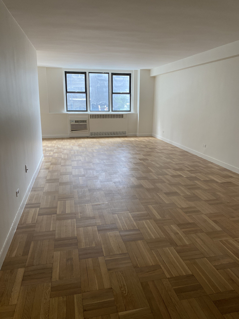 3 Bedrooms, Yorkville Rental in NYC for $8,181 - Photo 1