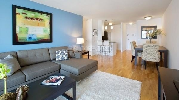 2 Bedrooms, Battery Park City Rental in NYC for $4,700 - Photo 1