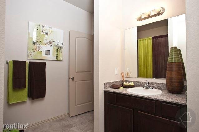 2 Bedrooms, Rosenberg-Richmond Rental in Houston for $1,696 - Photo 1