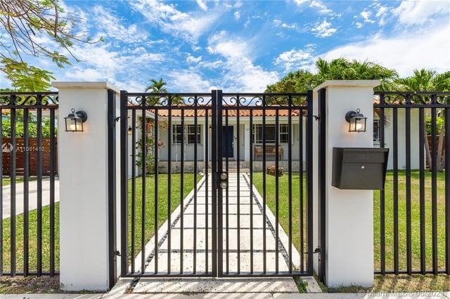 3 Bedrooms, Brickell Estates East Rental in Miami, FL for $10,500 - Photo 1