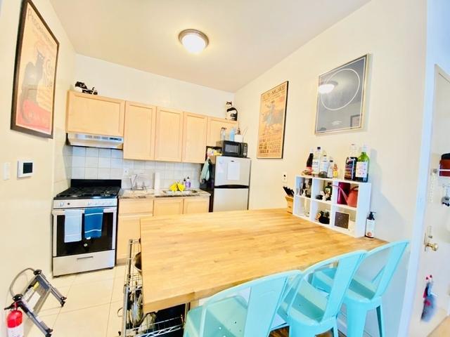 2 Bedrooms, Jack London Square Rental in San Francisco Bay Area, CA for $2,495 - Photo 1