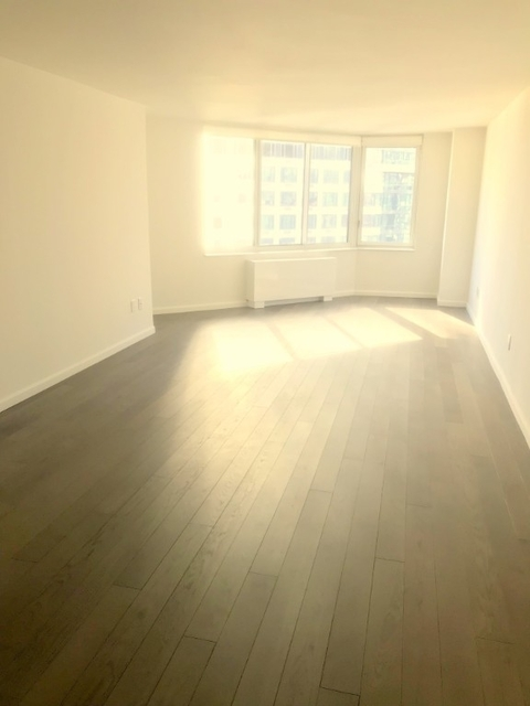1 Bedroom, Hell's Kitchen Rental in NYC for $3,315 - Photo 1