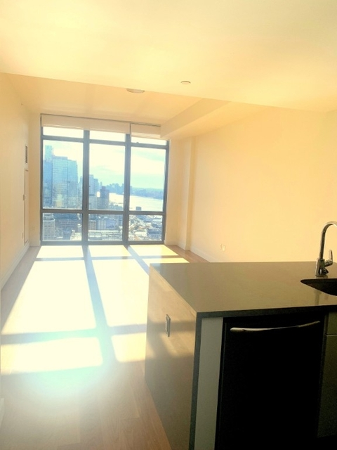 1 Bedroom, Hell's Kitchen Rental in NYC for $3,379 - Photo 1