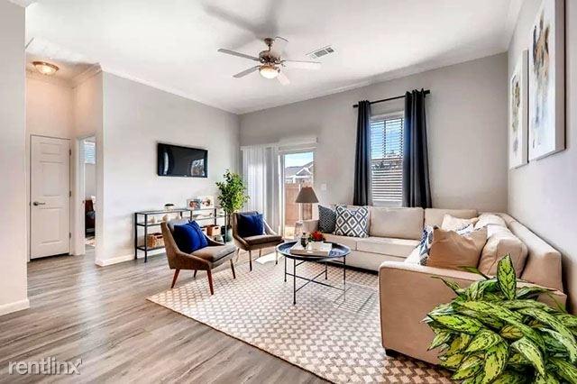 3 Bedrooms, McKinney Rental in Dallas for $1,609 - Photo 1