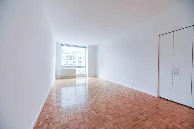 Studio, Hell's Kitchen Rental in NYC for $2,127 - Photo 1