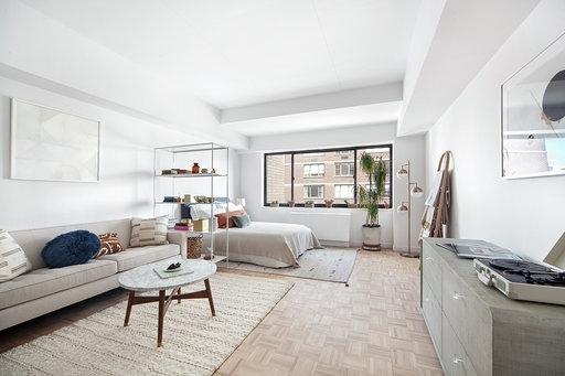 Studio, Yorkville Rental in NYC for $3,500 - Photo 1