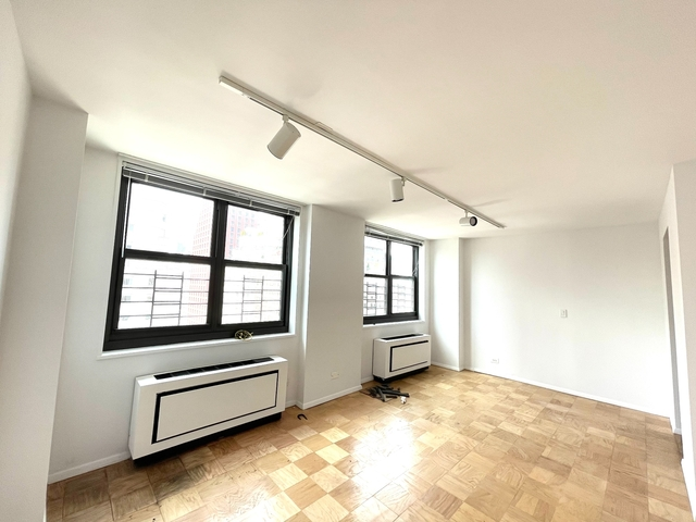 3 Bedrooms, Upper East Side Rental in NYC for $7,700 - Photo 1