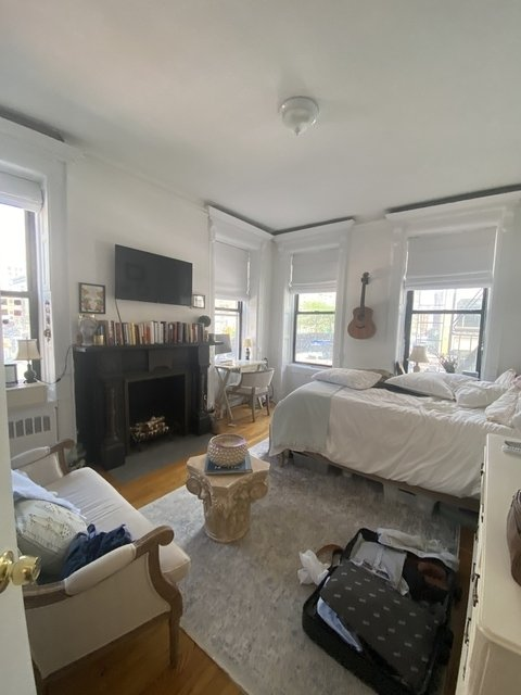 3 Bedrooms, West Village Rental in NYC for $5,999 - Photo 1