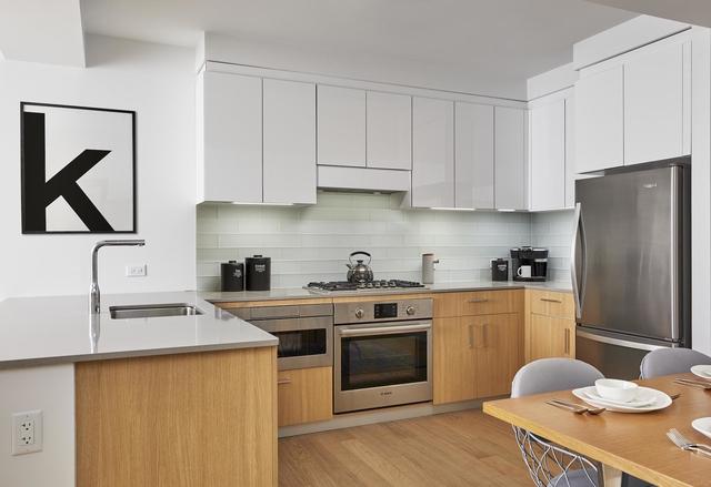 2 Bedrooms, Astoria Rental in NYC for $3,936 - Photo 1