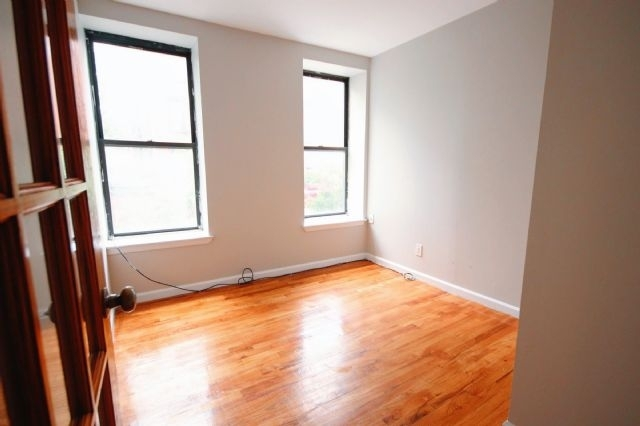 4 Bedrooms, East Village Rental in NYC for $5,000 - Photo 1