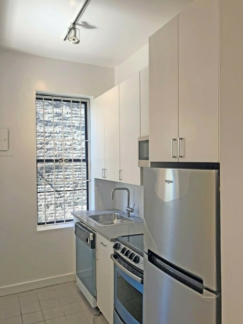 2 Bedrooms, SoHo Rental in NYC for $4,769 - Photo 1