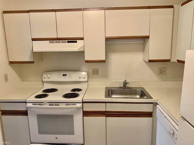 2 Bedrooms, Nonantum Rental in Boston, MA for $1,995 - Photo 1