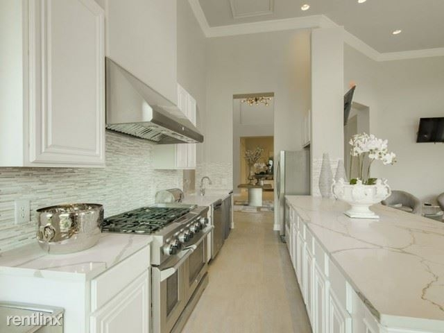2 Bedrooms, The Woodlands Rental in Houston for $1,400 - Photo 1