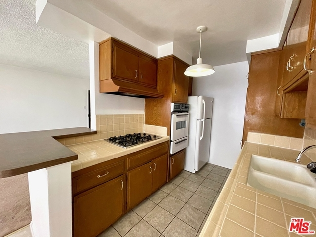 1 Bedroom, Brentwood Rental in Los Angeles, CA for $2,000 - Photo 1
