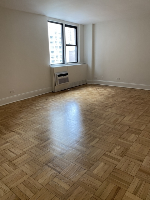 Studio, Yorkville Rental in NYC for $2,290 - Photo 1