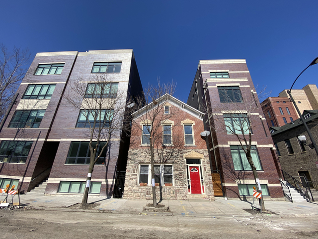 2 Bedrooms, East Pilsen Rental in Chicago, IL for $2,100 - Photo 1