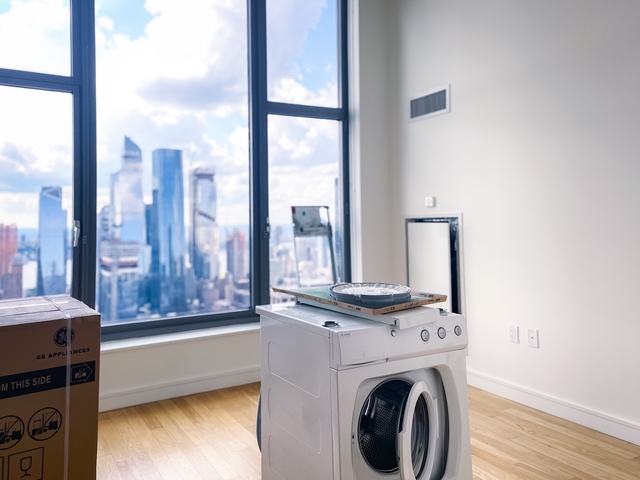 1 Bedroom, Chelsea Rental in NYC for $5,780 - Photo 1