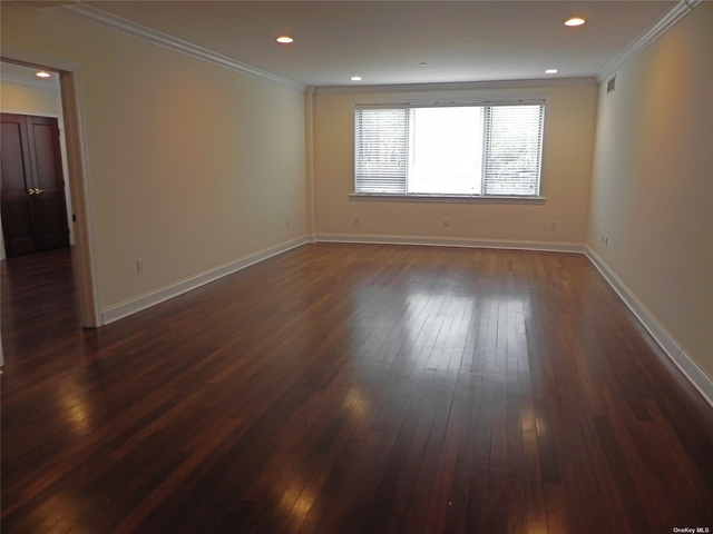 2 Bedrooms, Great Neck Plaza Rental in Long Island, NY for $4,150 - Photo 1