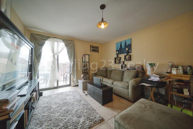 1 Bedroom, Ditmars Rental in NYC for $2,100 - Photo 1