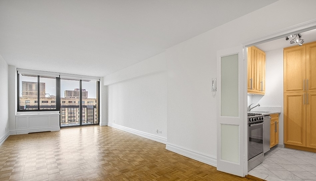 Studio, Lincoln Square Rental in NYC for $3,173 - Photo 1