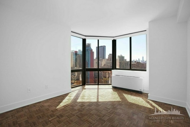 2 Bedrooms, Hell's Kitchen Rental in NYC for $4,765 - Photo 1
