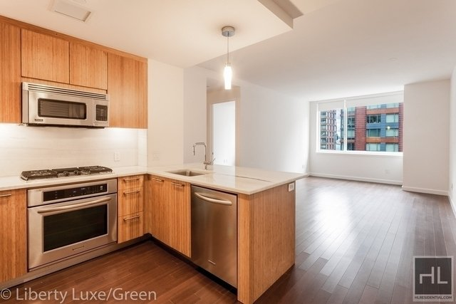 2 Bedrooms, Battery Park City Rental in NYC for $6,825 - Photo 1