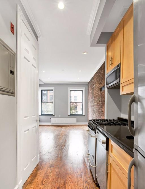 2 Bedrooms, East Village Rental in NYC for $5,129 - Photo 1