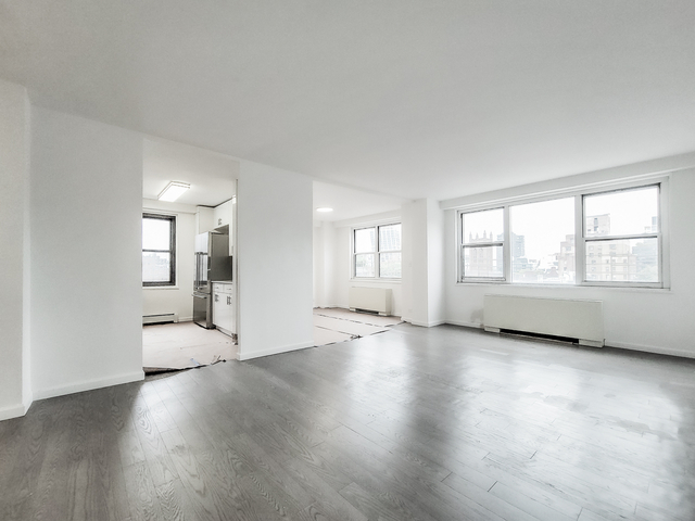 2 Bedrooms, Chelsea Rental in NYC for $8,750 - Photo 1
