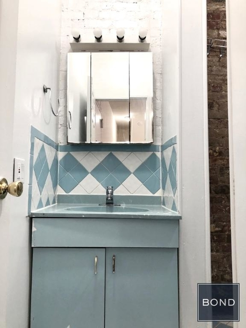 2 Bedrooms, Alphabet City Rental in NYC for $3,275 - Photo 1