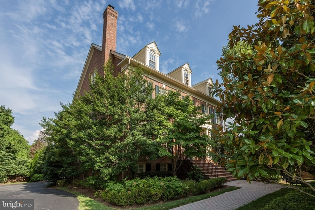 6 Bedrooms, McLean Rental in Washington, DC for $10,000 - Photo 1